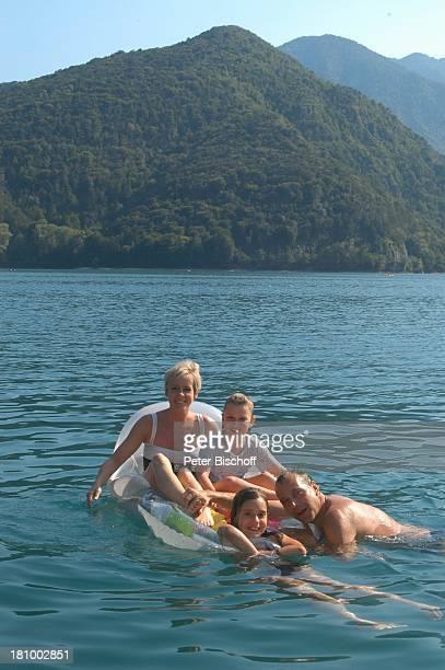 Daniela Lohmeyer Christoph Schobesberger Tochter LeaMaria Schobesberger Marleine Schobesberger Urlaub Lago di Ledro/Italien Nähe Gardasee...