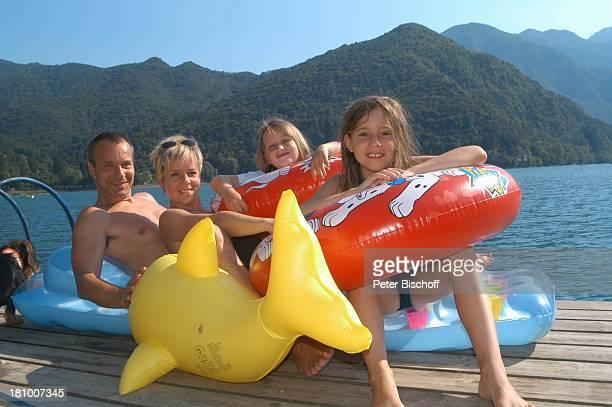 Daniela Lohmeyer, Christoph Schobesberger, Tochter Lea-Maria Schobesberger , Marleine Schobesberger , Urlaub, Lago di Ledro/Italien, , Nähe Gardasee,...
