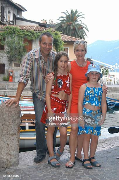 Daniela Lohmeyer, Christoph Schobesberger, Tochter Lea-Maria Schobesberger , Marleine Schobesberger , Urlaub, Limone sul Garda/Italien, Stadtbummel,...