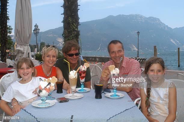 Daniela Lohmeyer, Christoph Schobesberger, Tochter Lea-Maria Schobesberger , Michael Klein , Marleine Schobesberger , Urlaub, Riva di Garda/Italien,...