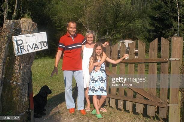 Daniela Lohmeyer, Christoph Schobesberger, Tochter Lea-Maria Schobesberger , Paula , Urlaub, Lago di Ledro/Italien, , Nähe Gardasee, Schauspieler,...