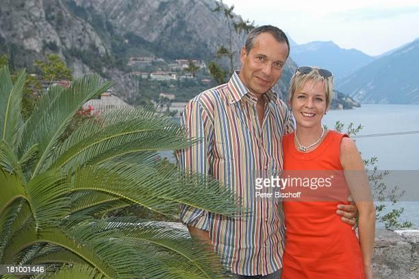 Daniela Lohmeyer, Christoph Schobesberger, Urlaub, Limone sul Garda/Italien, , Gardasee, See, Gewässer, Berge, Schauspieler, Schauspielerin, Familie,...