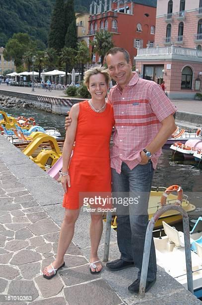 Daniela Lohmeyer, Christoph Schobesberger, Urlaub, Riva di Garda/Italien, Stadtbummel, , Gardasee, Schauspieler, Schauspielerin, Familie, Frau,...