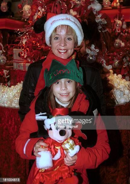Daniela Lohmeyer, Tochter Lea-Maria, Disneyland Paris, Frankreich, Urlaub, Disneyland Park, , Vergnügungspark, Shopping, Weihnachten, Advent,...