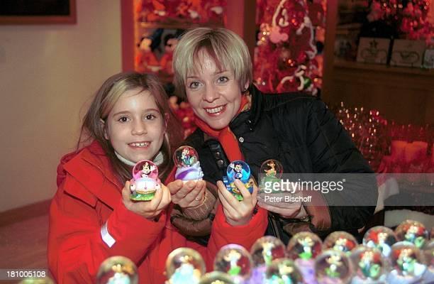 Daniela Lohmeyer, Tochter Lea-Maria Schobesberger, Disney-Studios, Disneyland Paris, , Frankreich, Vergnügungspark, Freizeitpark, Urlaub,...