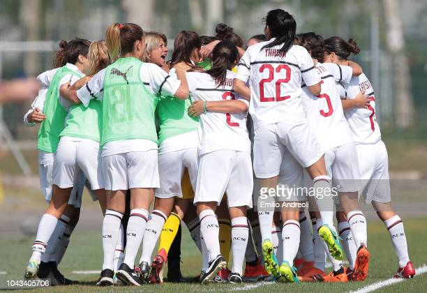 Daniela Sabatino of AC Milan celebrates with her teammates after scoring the opening goal during the Serie A match between AC Milan Women and...