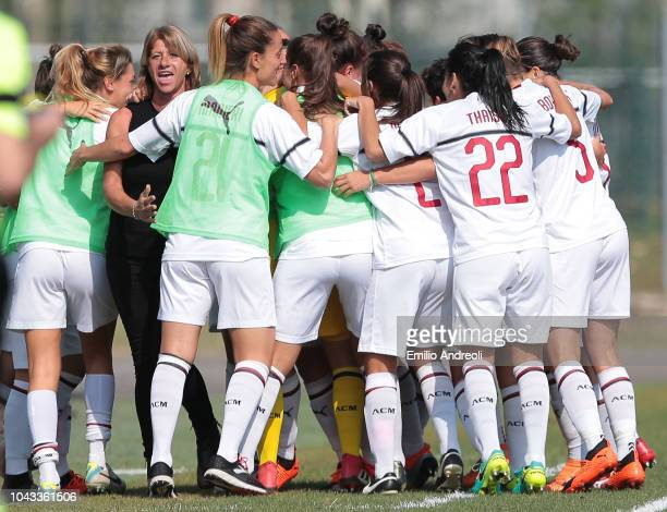 Daniela Sabatino of AC Milan celebrates with teammates after scoring the opening goal during the Serie A match between AC Milan Women and Fiorentina...
