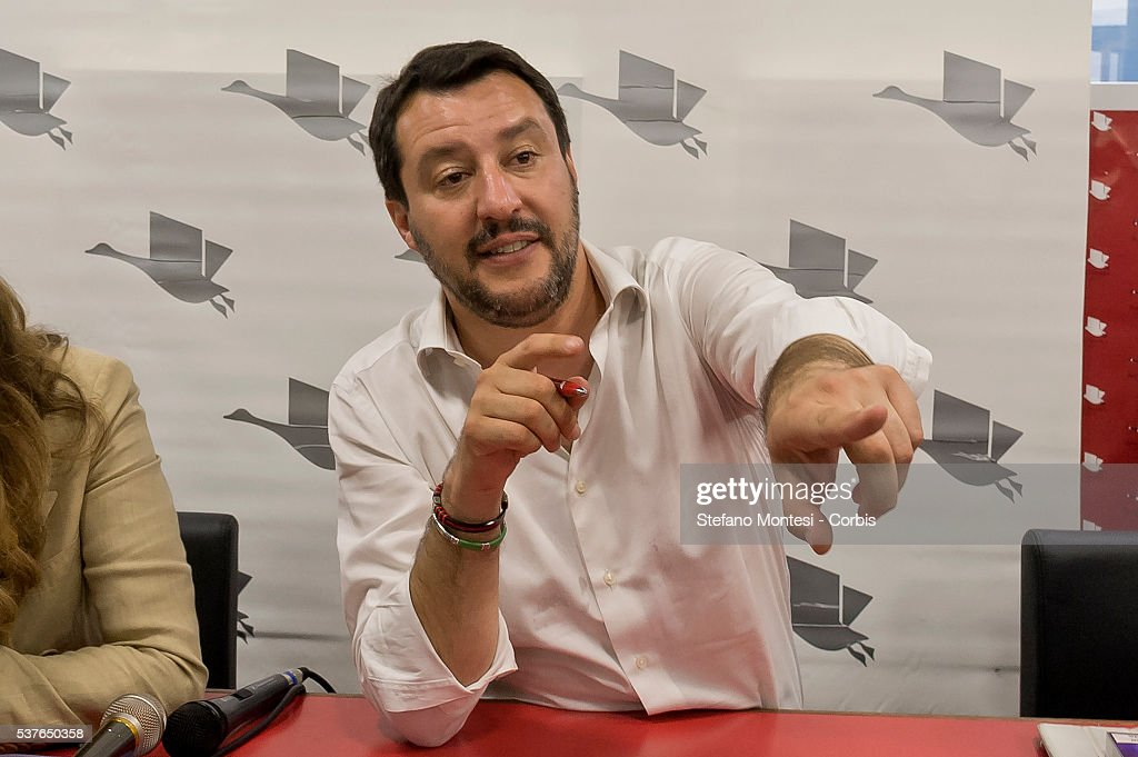 Presented the books  by Matteo Salvini and Daniela Santanché in Rome : News Photo