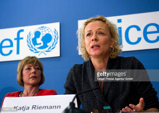 Daniela Schadt the partner of Germany's president Joachim Gauck and actress Katja Riemann attend the press conference of the UNICEF Christmas Market...