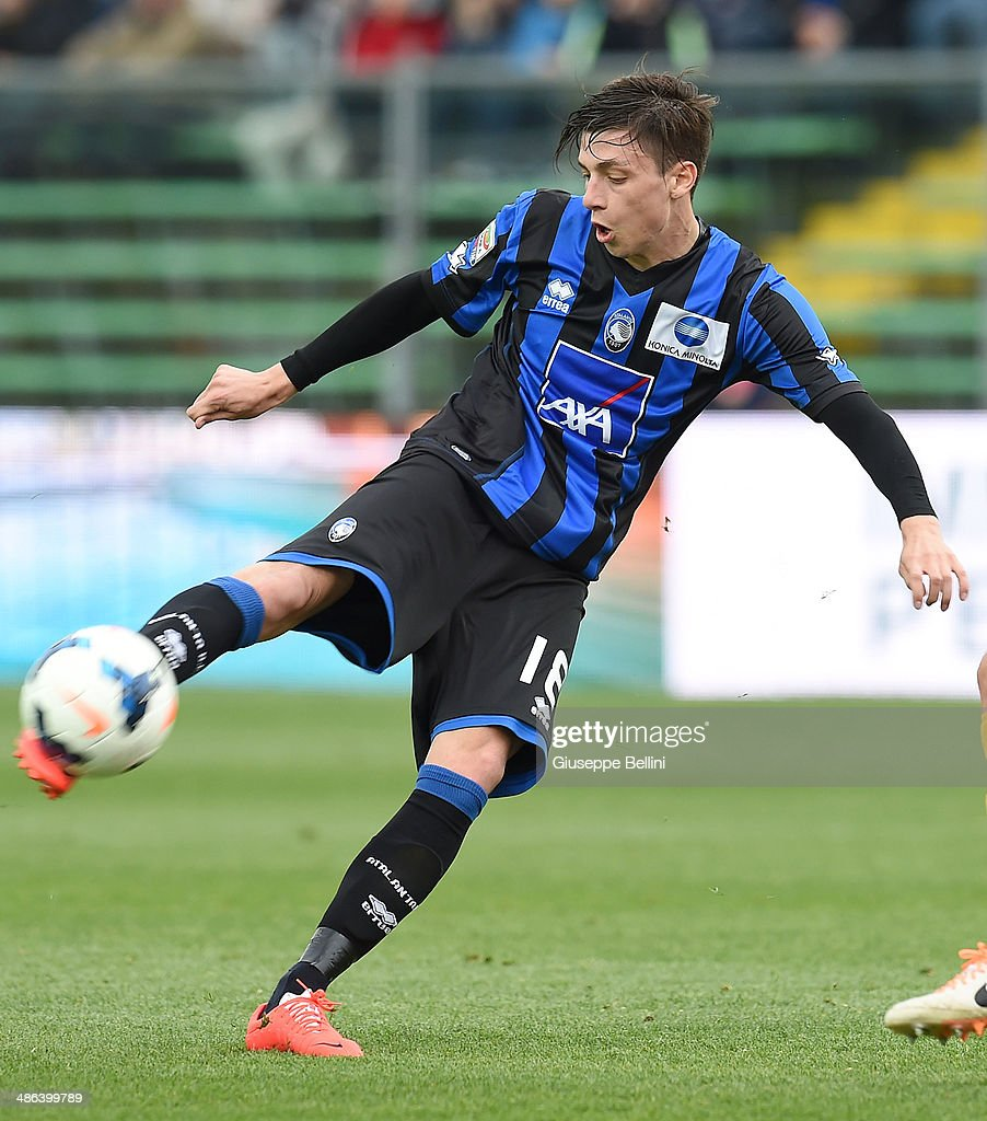 Daniele Baselli of Atalanta in action during the Serie A ...