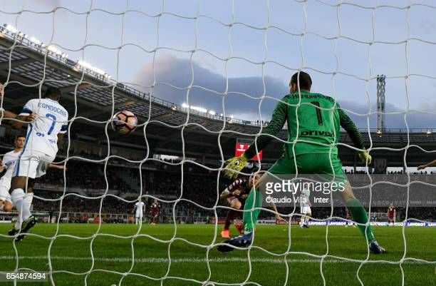 Daniele Baselli of FC Torino scores the first goal during the Serie A match between FC Torino and FC Internazionale at Stadio Olimpico di Torino on...