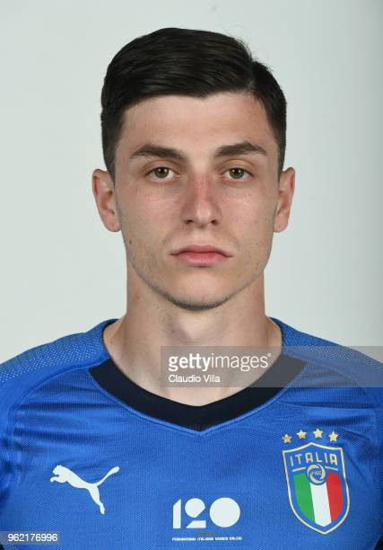 Daniele Baselli of Italy poses during the official portrait session at Centro Tecnico Federale di Coverciano on May 24 2018 in Florence Italy
