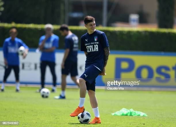 Daniele Baselli of Italy smiles during a Italy training session at Centro Tecnico Federale di Coverciano on May 25 2018 in Florence Italy