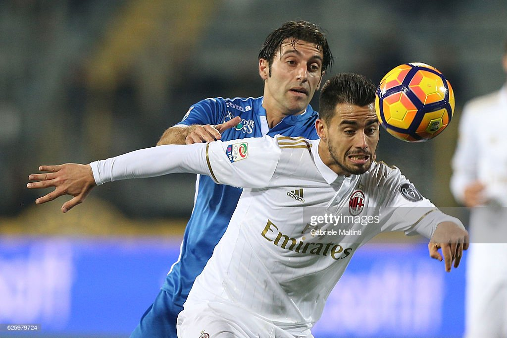 Daniele Croce of Empoli FC fights for the ball with Saenz Fernandez Suso of AC Milan during the Serie A match between Empoli FC and AC Milan at Stadio Carlo Castellani on November 26, 2016 in Empoli, Italy.