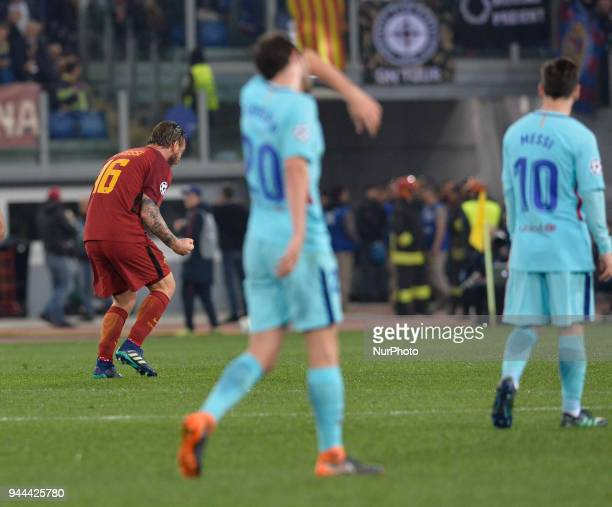 Daniele De Rossi celebrates after score goal 20 during the UEFA Champions League quarter final match between AS Roma and FC Barcelona at the Olympic...