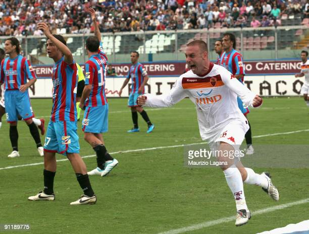 Daniele De Rossi of AS Roma celebrates after scoring during the Serie A match between Catania Calcio and AS Roma at Stadio Angelo Massimino on...