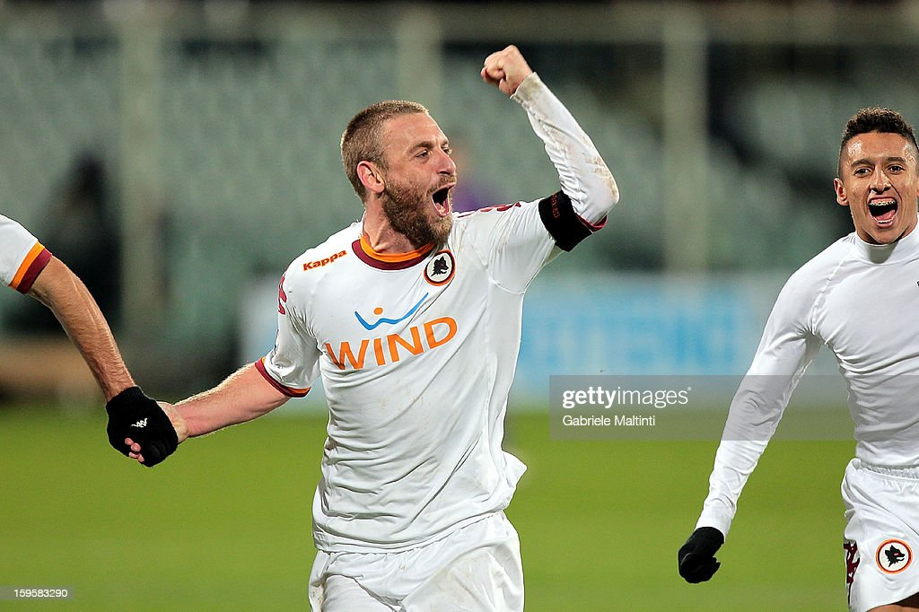Daniele De Rossi of AS Roma celebrates the victory after the TIM cup match between ACF Fiorentina and AS Roma at Artemio Franchi on January 16, 2013 in Florence, Italy.