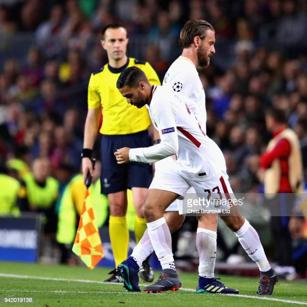 Daniele De Rossi of AS Roma is replaced as a substitute by Gregoire Defrel of AS Roma during the UEFA Champions League Quarter Final first leg match...