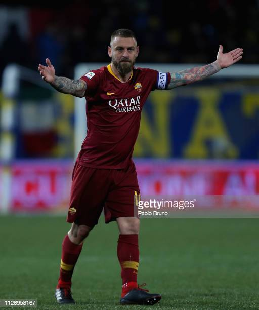 Daniele De Rossi of AS Roma reacts during the Serie A match between Frosinone Calcio and AS Roma at Stadio Benito Stirpe on February 23 2019 in...