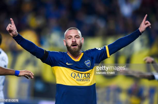 Daniele De Rossi of Boca Juniors celebrates after scoring the first goal of his team during a match between Boca Juniors and Almagro as part of Round...