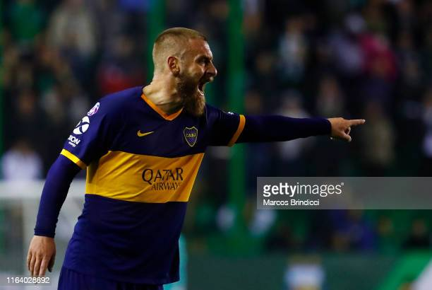 Daniele De Rossi of Boca Juniors gestures to teammates during a match between Banfield and Boca Juniors as part of Superliga 2019/20 at Florencio...