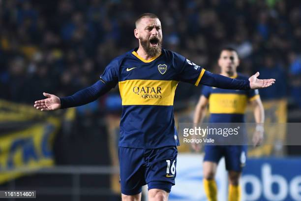 Daniele De Rossi of Boca Juniors reacts during a match between Boca Juniors and Alamgro as part of Round of 32 of Copa Argentina 2019 at Estadio...