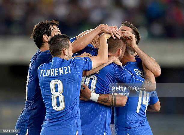 Daniele De Rossi of Italy celebrates after scoring the second goal during the international friendly match between Italy and Finland on June 6 2016...