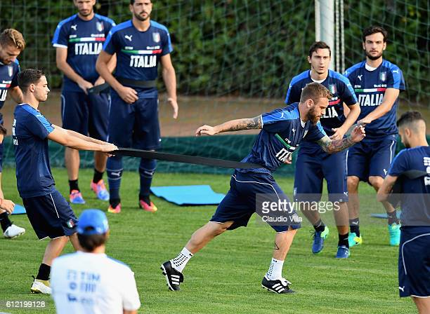 Daniele De Rossi of Italy in action during a training session at the club's training ground at Coverciano on October 3 2016 in Florence Italy