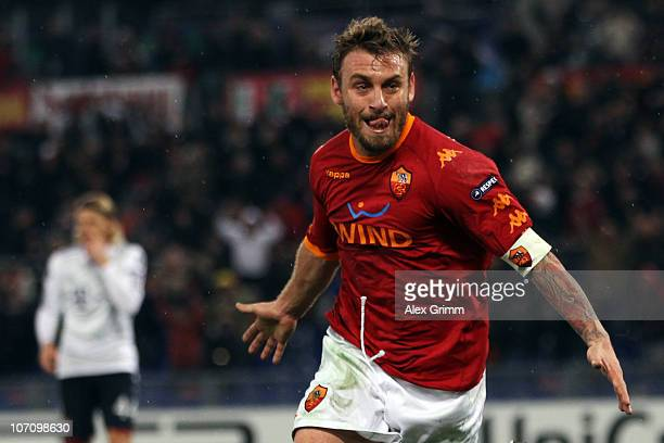 Daniele de Rossi of Roma celebrates his team's second goal during the UEFA Champions League group E match between AS Roma and FC Bayern Muenchen at...
