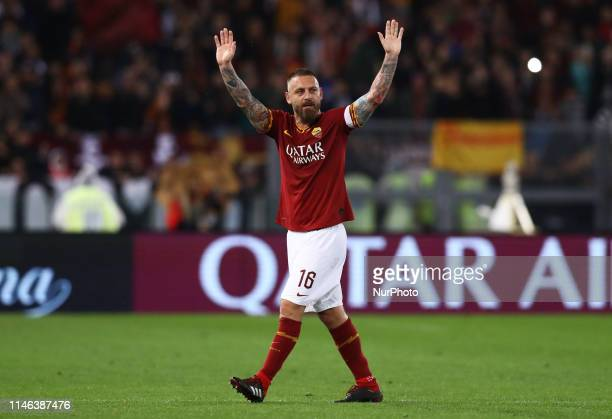 Daniele De Rossi of Roma greeting the supporters during the Italian Serie A football match AS Roma v Parma at the Olimpico Stadium in Rome Italy on...