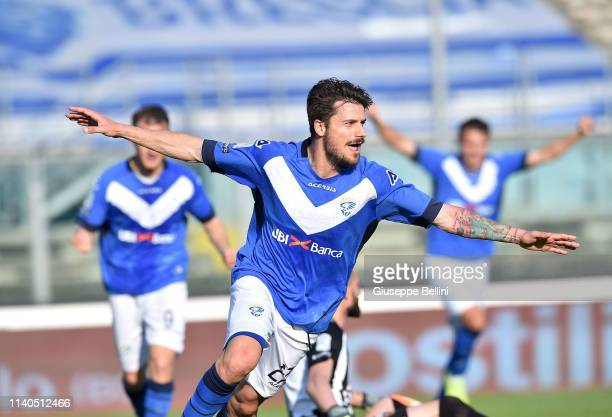 Daniele Dessena of Brescia Calcio celebrates after scoring the opening goal during the Serie B match between Brescia Calcio and Ascoli Calcio 1898 FC...