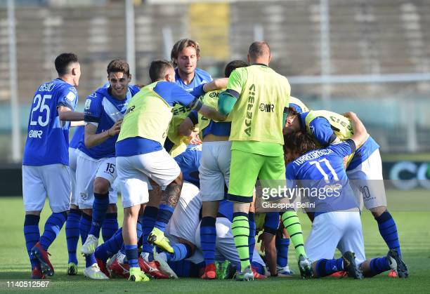 Daniele Dessena of Brescia Calcio celebrates after scoring the opening goal during the Serie B match between Brescia Calcio and Ascoli Calcio 1898 FC...