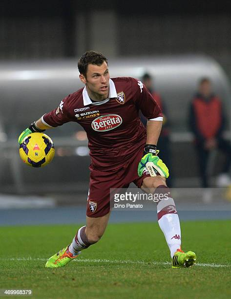Daniele Padelli goalkeeper of Torino FC catches the ball during the Serie A match between Hellas Verona FC and Torino FC at Stadio Marc'Antonio...