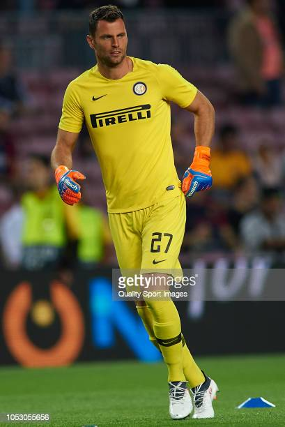 Daniele Padelli of Internazionale looks on prior to the Group B match of the UEFA Champions League between FC Barcelona and FC Internazionale at Camp...