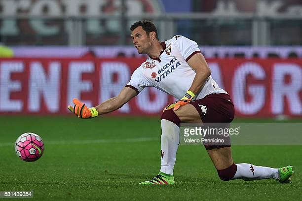 Daniele Padelli of Torino FC throws the ball during the Serie A match between Torino FC and SSC Napoli at Stadio Olimpico di Torino on May 8 2016 in...