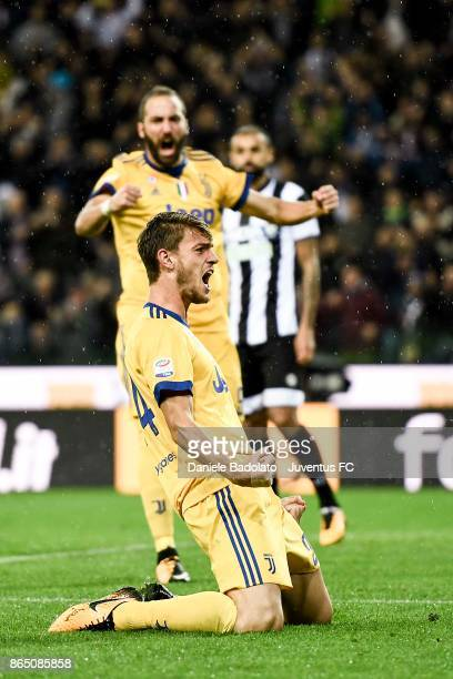 Daniele Rugani celebrates 2-3 goal during the Serie A match between Udinese Calcio and Juventus at Stadio Friuli on October 22, 2017 in Udine, Italy.