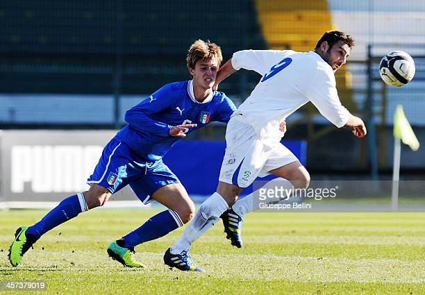 Daniele Rugani of Italy U21 and Gianmario Comi of B Italia in action during the match betwen Italy U21 v B Italia at Stadio Partenio on December 17...