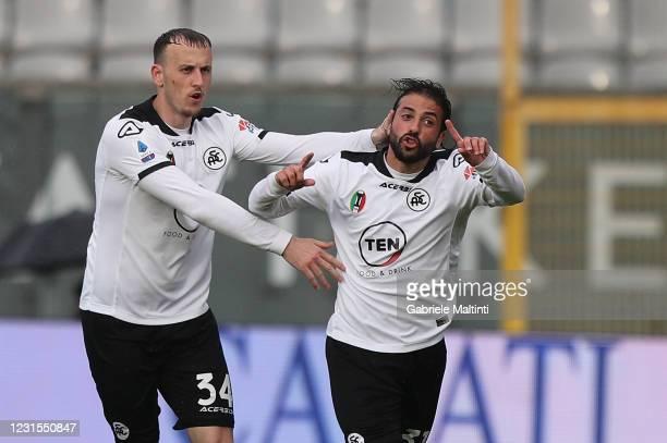 Daniele Verde of Spezia Calcio celebrates after scoring a goal during the Serie A match between Spezia Calcio and Benevento Calcio at Stadio Alberto...