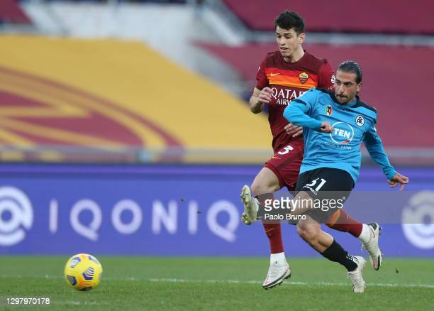 Daniele Verde of Spezia scores their team's third goal past Roger Ibanez of Roma during the Serie A match between AS Roma and Spezia Calcio at Stadio...