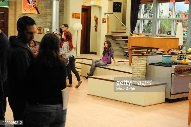 Daniella Monet Matt Bennett Victoria Justice and Ariana Grande actors pose for a portrait on the set of Victorious in Hollywood California on...