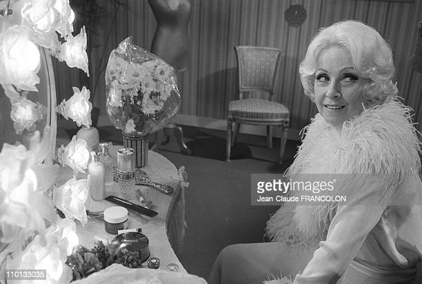 Danielle Darrieux on the set of the film 'Divine' by Dominique Delouche in Epinay France on January 1 1975