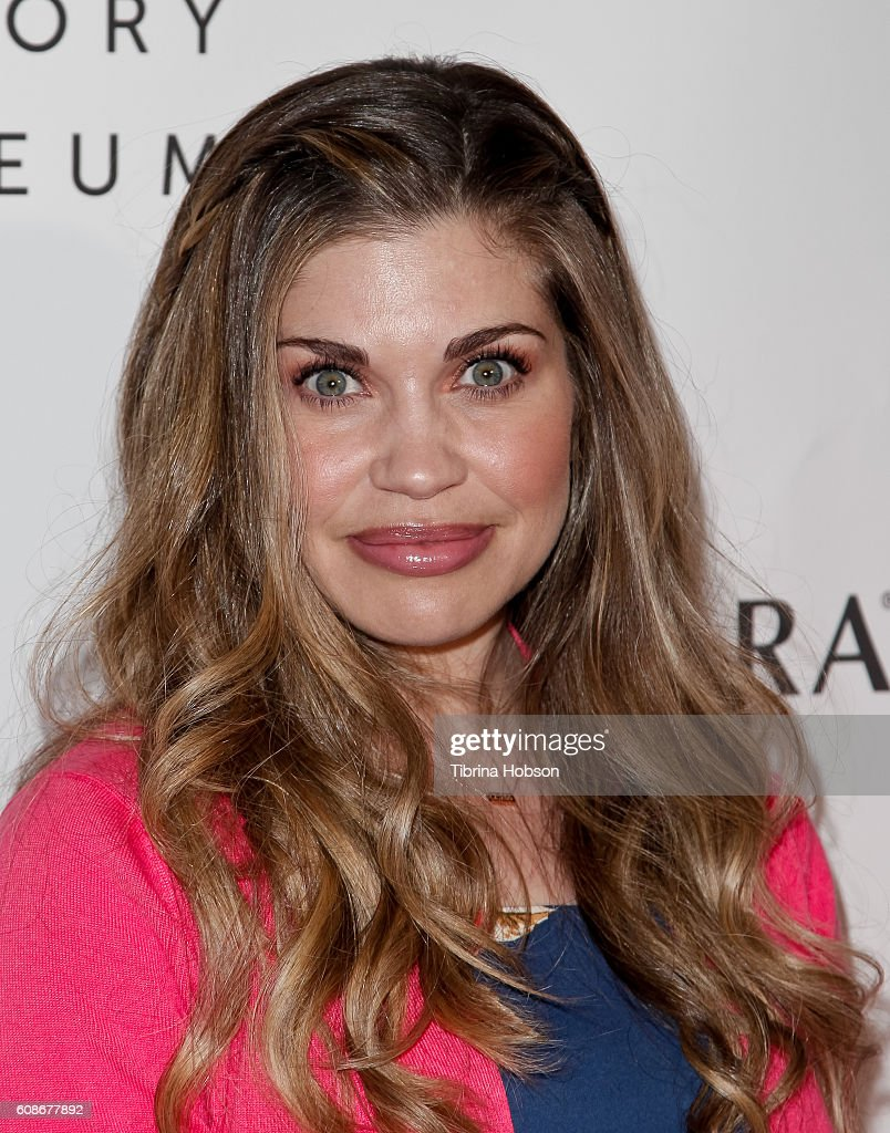Danielle fishel photos pictures of danielle fishel getty images danielle fishel attends the 5th annual women making history brunch at montage beverly hills on september sciox Image collections