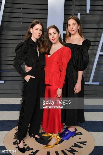 Danielle Haim Alana Haim and Este Haim attend the 2018 Vanity Fair Oscar Party hosted by Radhika Jones at Wallis Annenberg Center for the Performing...