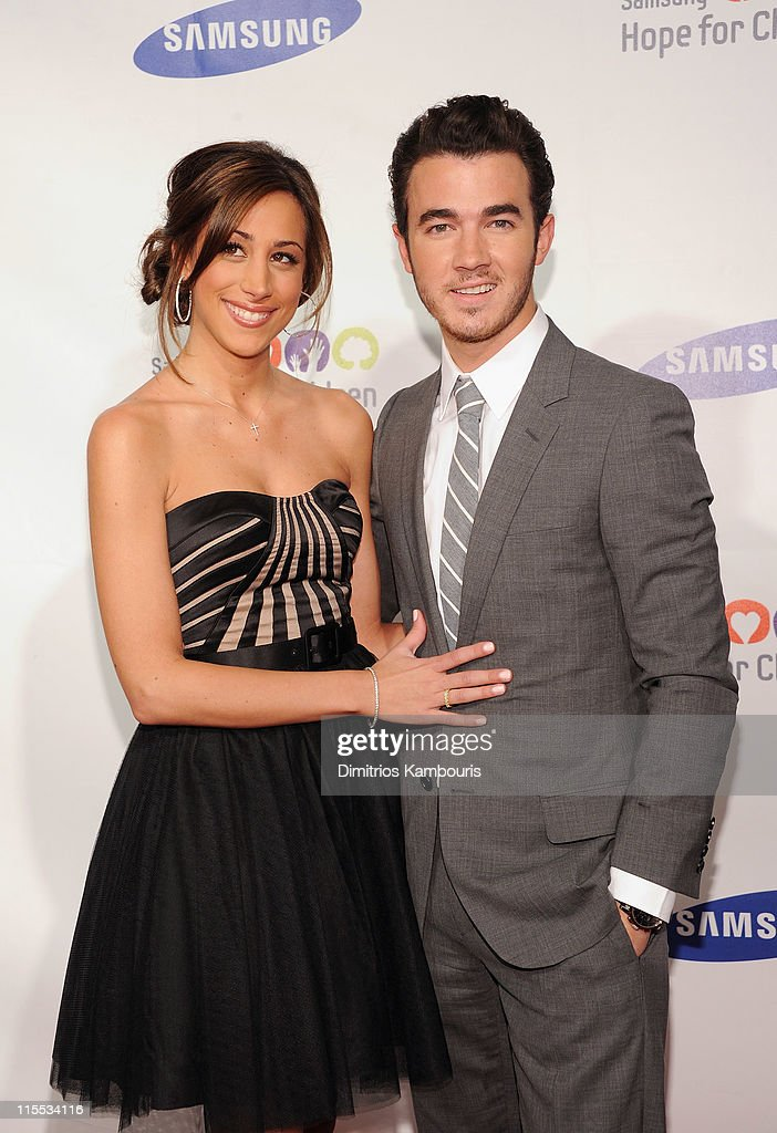 Samsung Hope for Children Gala - Red Carpet : News Photo