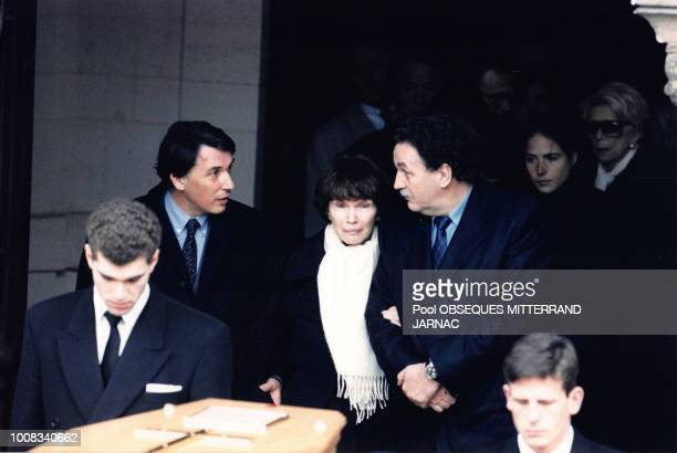 Danielle Mitterrand JeanChristophe Mitterrand Gilbert Mitterrand et Mazarine Pingeot et Anne Pingeot lors des obsèques de François Mitterrand le 11...