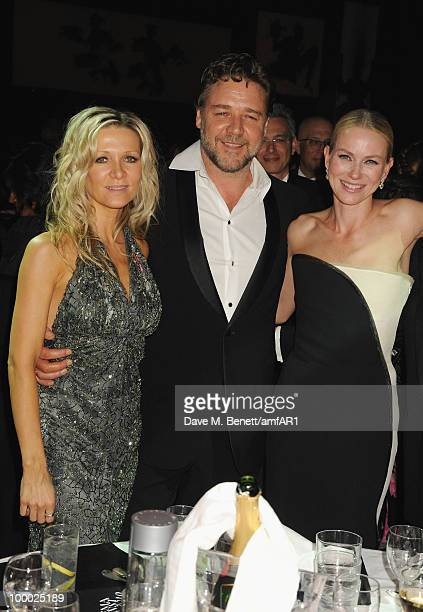 Danielle Spencer Russell Crowe and actress Naomi Watts attend amfAR's Cinema Against AIDS 2010 benefit gala dinner at the Hotel du Cap on May 20 2010...