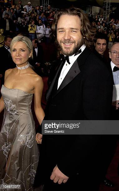 Danielle Spencer Russell Crowe during The 74th Annual Academy Awards Arrivals at Kodak Theater in Hollywood California United States