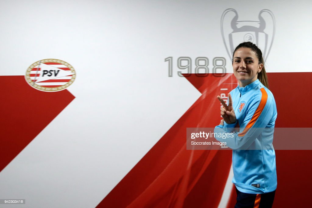 Danielle van de Donk of Holland Women during the Training Holland Women at the Philips Stadium on April 5, 2018 in Eindhoven Netherlands