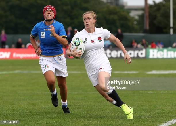 Danielle Waterman of England breaks clear to score a try during the Women's Rugby World Cup 2017 between England and Italy on August 13 2017 in...