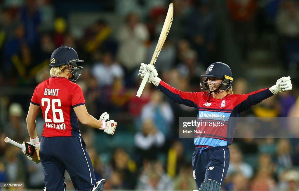 Australia v England - 3rd Women's T20 : News Photo